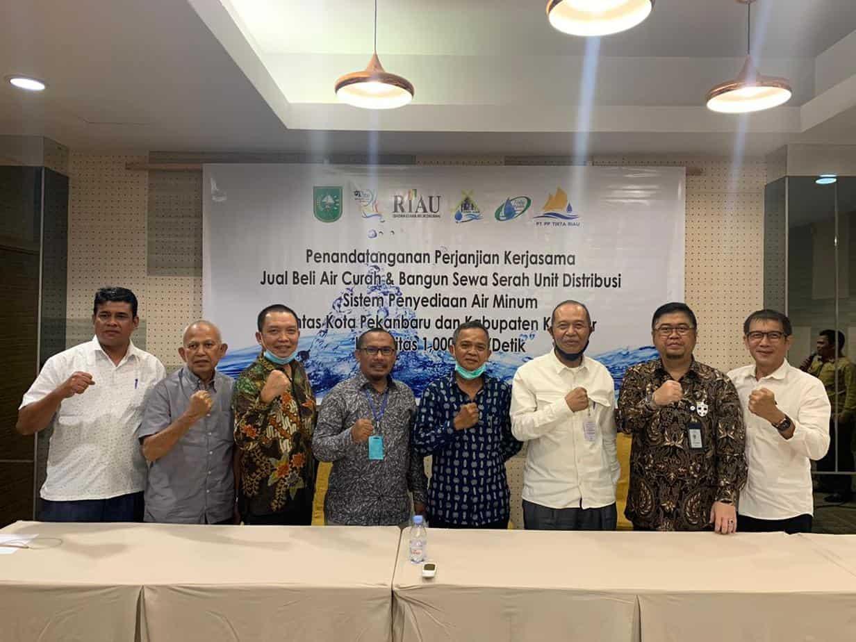 Penandatanganan Perjanjian Kerjasama Jual Beli Air Curah & Bangun Sewa Serah Unit Distribusi SPAM Lintas Kota Pekanbaru dan Kabupaten Kampar